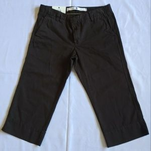 NWOT Gap Women's Straight Leg Capri Pants Size 8
